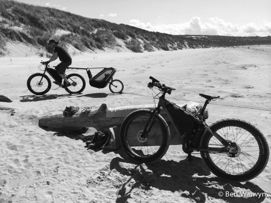 There's some beach riding.  Actually not something we've done much of despite plenty of inland sand experience.  We've been leant a Tout Terrain Singletrailer for this UK trip.  We use a trip to Traeth Harlech to give it some testing