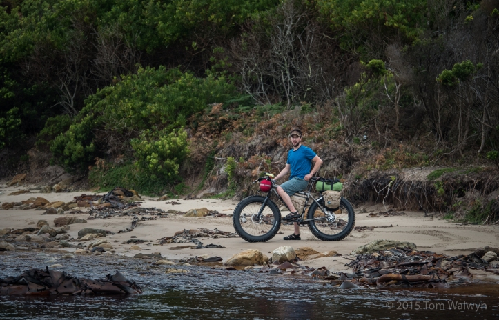 Scott Felter happens to be back in Australia.  His new Moots Cycles fattie is on its maiden outing.