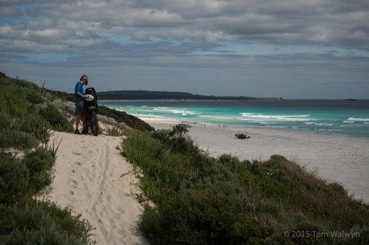Our improvised figure-8 takes us onto the beach a while north of Hamelin Bay